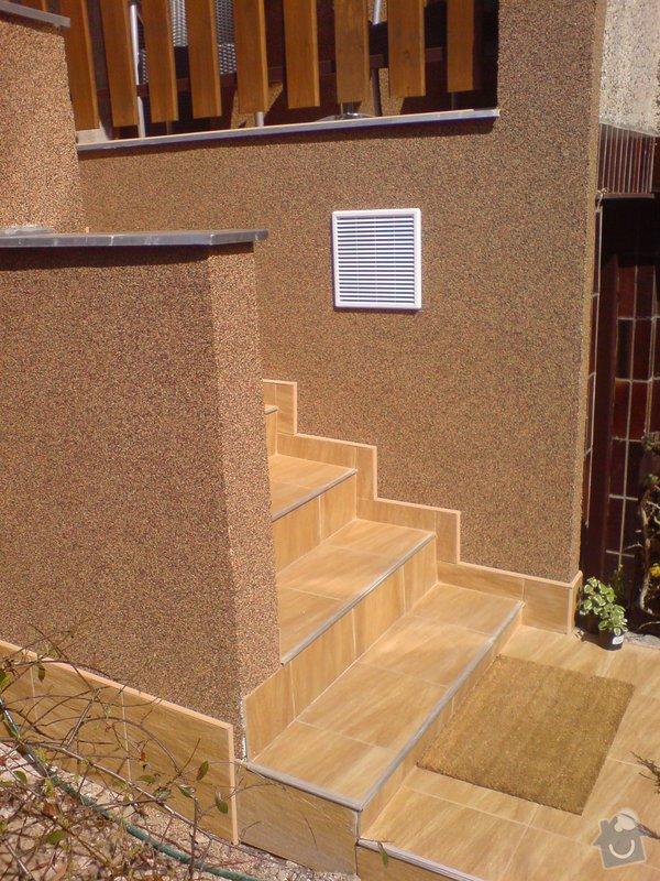 Oprava fasády domu, položení dlažby, marmolit, štukování: DSC01505