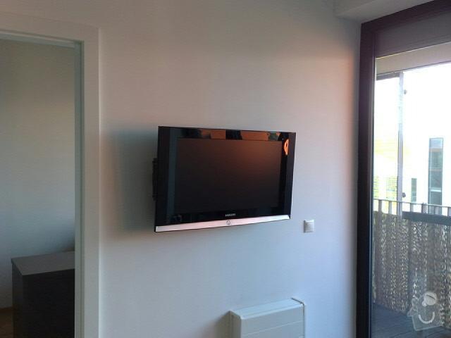 Vyvrtání a uchycení světla + LCD televizi namontovat na zeď: 25112010144