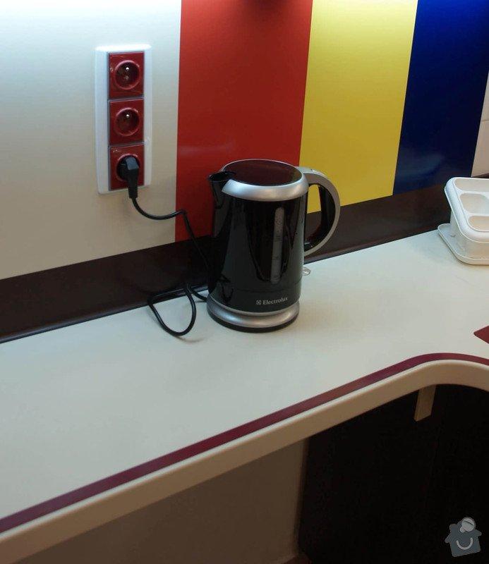 Cvičná kuchyň pro osoby se zrakovým postižením : barevn_z_da