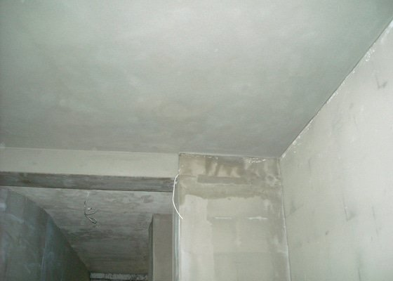 Omítání stropů - špryc + štuk