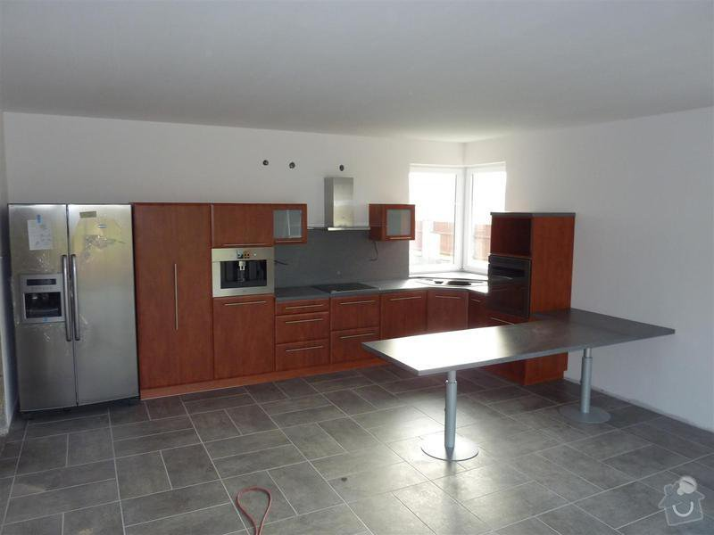 Kuchyňská linka na zakázku: P1030450_Large_