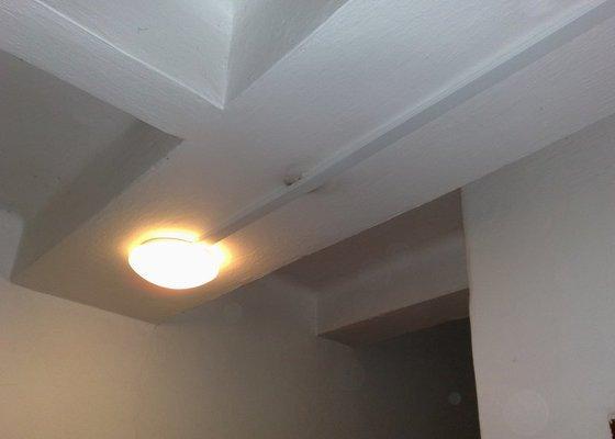 Montáž svítidla pro osvětlení společných prostor s automat. detekcí pohybu