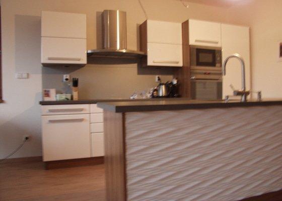 Kuchyňská linka a koupelnový nábytek
