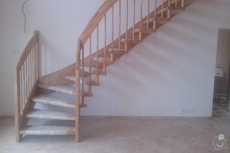 Dřevěné schodiště: IMAG0351