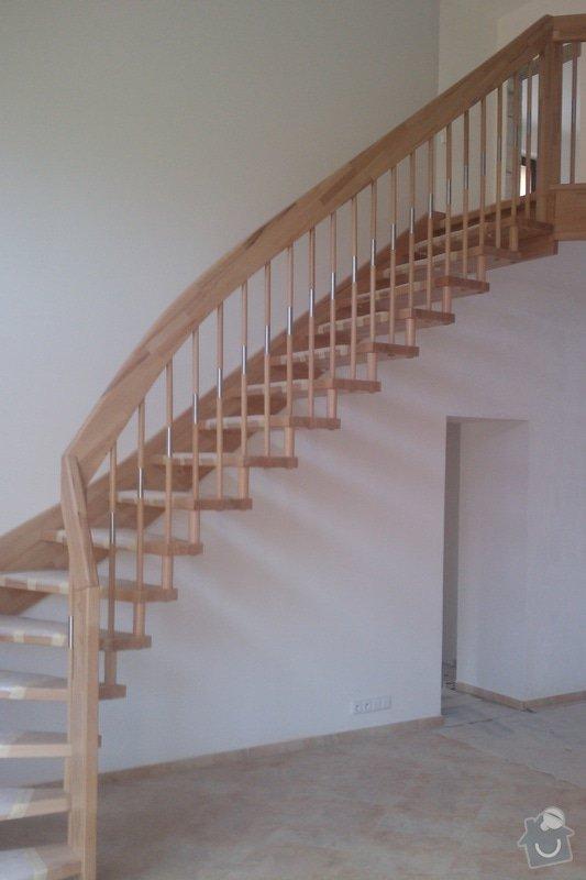 Dřevěné schodiště: IMAG0352