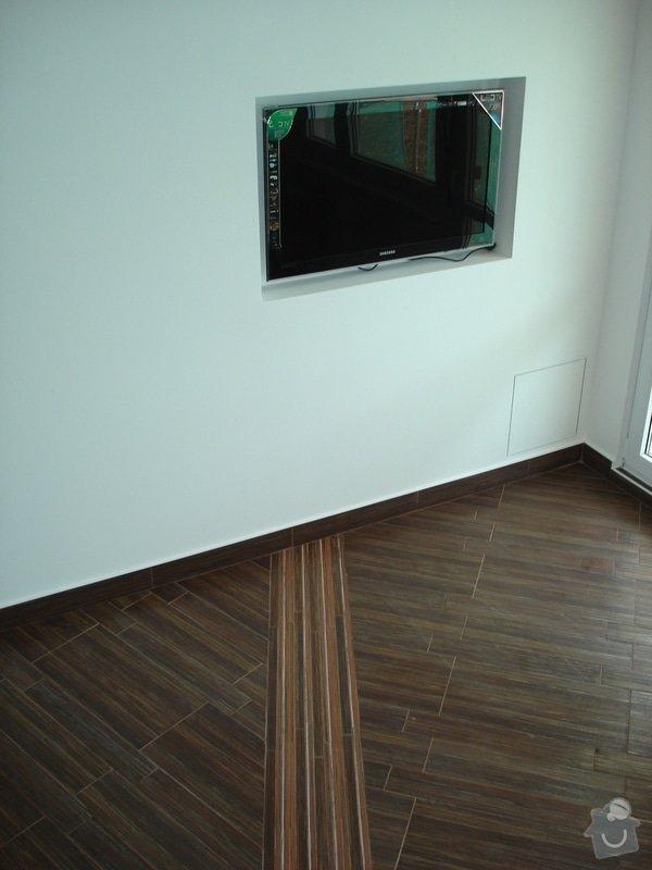 Rekonstrukce omítek a podlahy: DSC08653