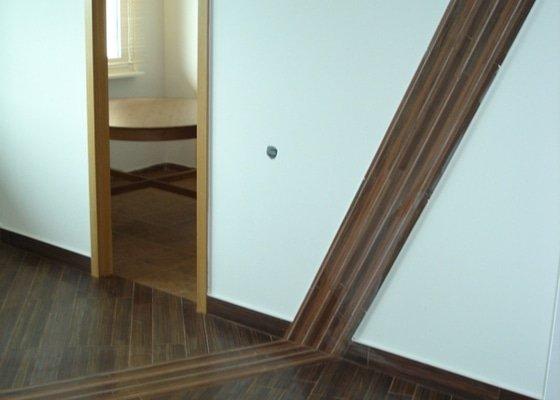 Rekonstrukce omítek a podlahy