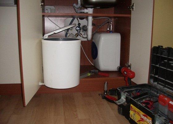 Montáž průtokového ohřívače do kuchyňské linky