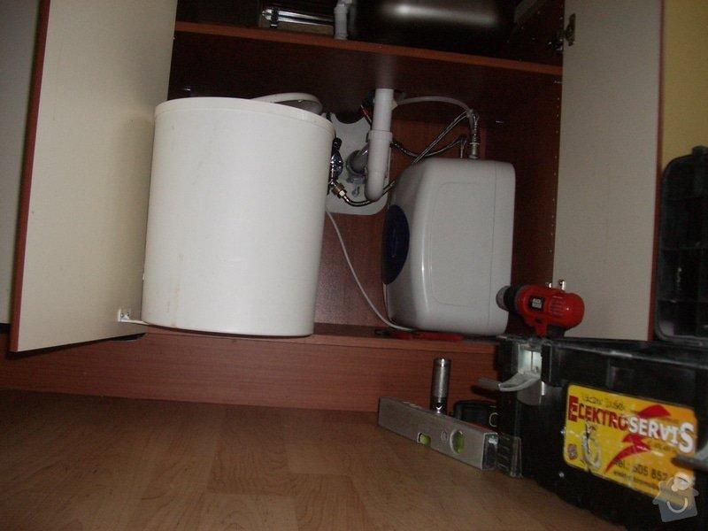 Montáž průtokového ohřívače do kuchyňské linky: Montaz_prut._ohrivace_003