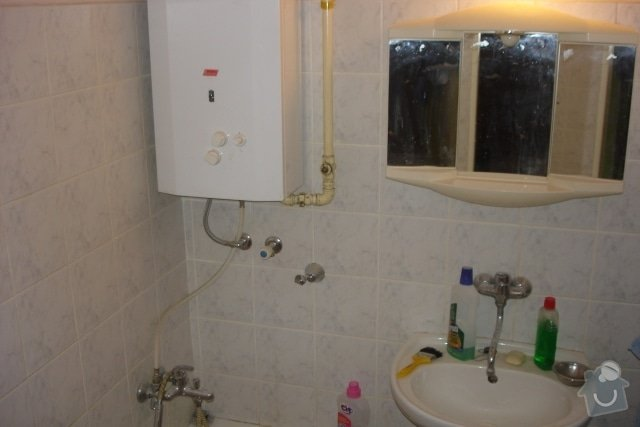 Rekonstrukce koupelny, montáž SDK podhledů: P_ed_rekonstrukc_2