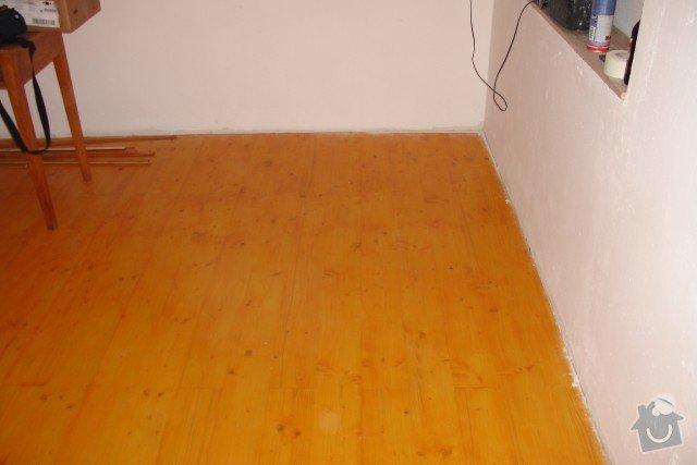 Vybourání staré a pokládka nové dřevěné podlahy: DSC00876