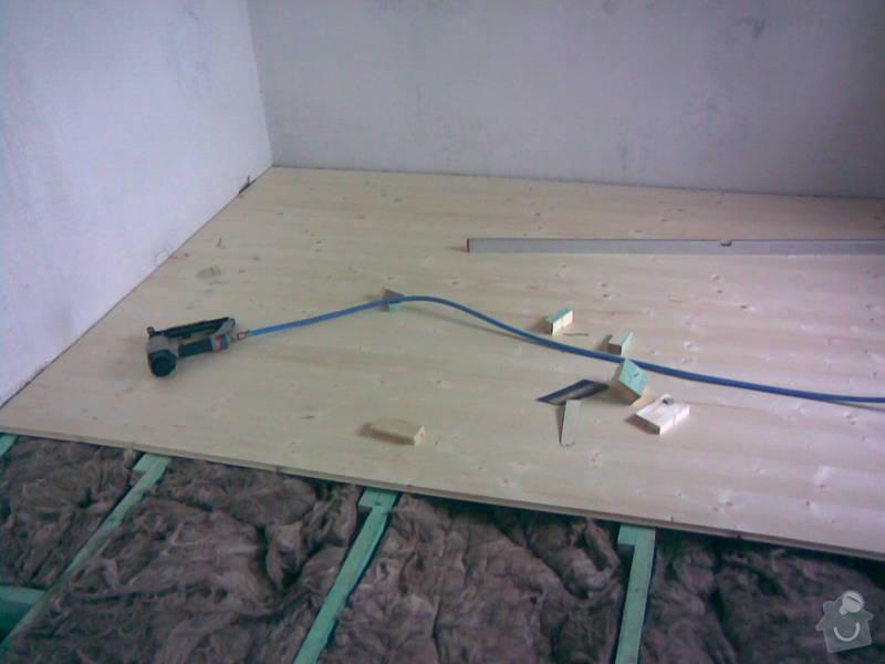 Vybourání staré a pokládka nové dřevěné podlahy: 30052010