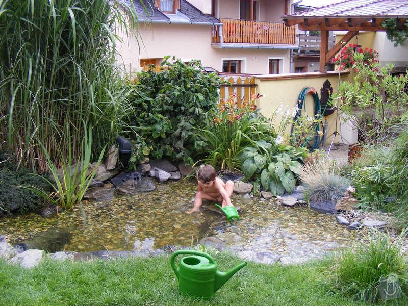 Návrh a realizace zahrady u rodinného domu: cerven_-_srpen_090
