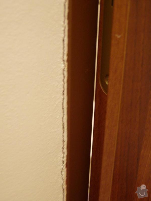 Oprava kovových dveřních zárubní: koupelnaP8040016