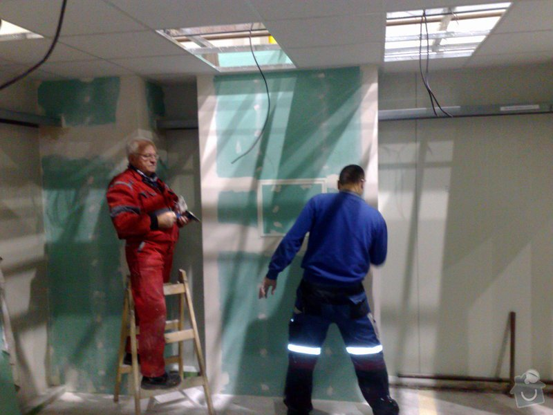 Vestavba kanceláře v hale ze sádrokartonu: Foto882