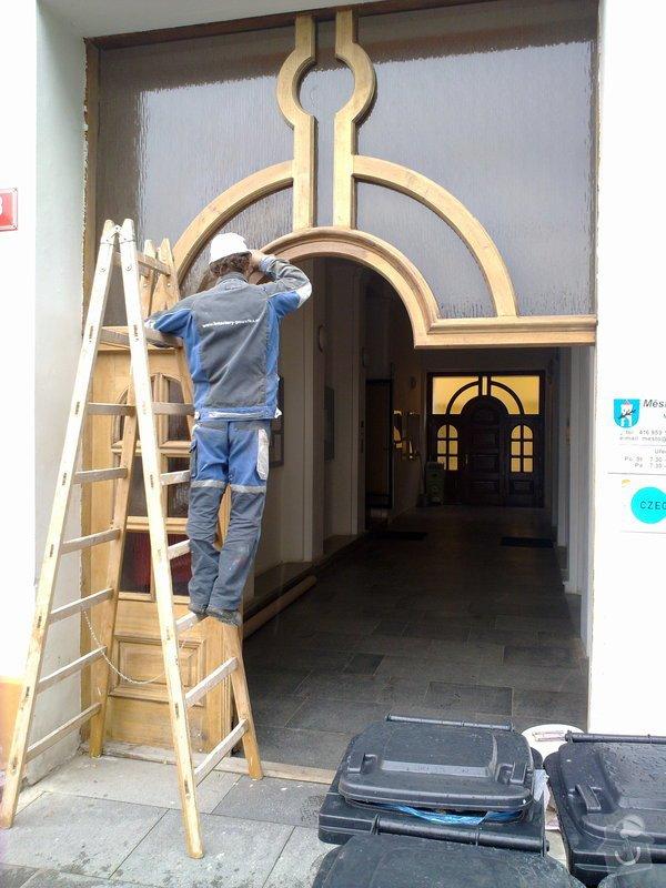 Výroba nábytku do kanceláří a renovace dveří: 14062010714