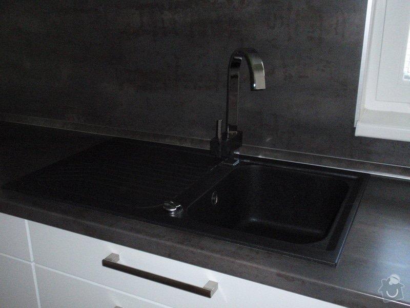 Kuchyňská linka: cerven2010_016