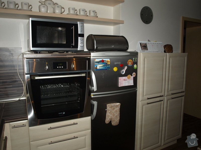 Kuchyňská linka: P8274099