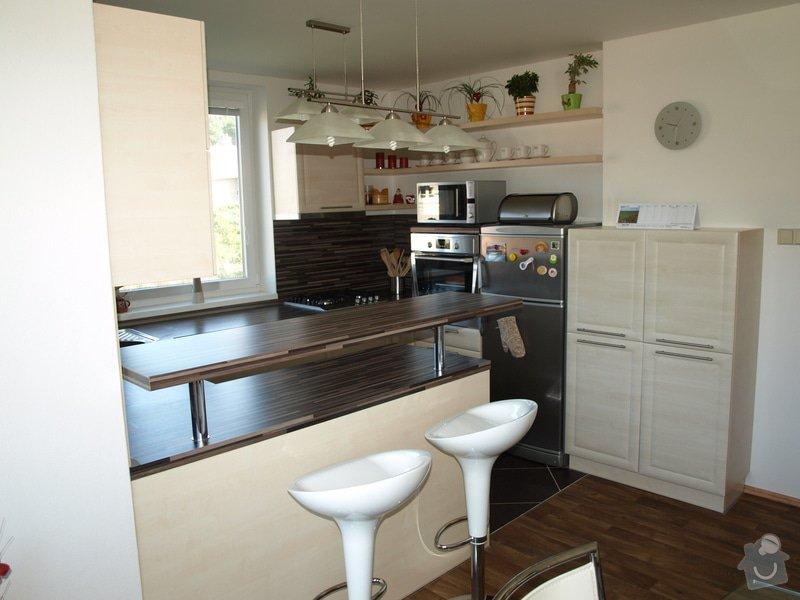 Kuchyňská linka: P8304117