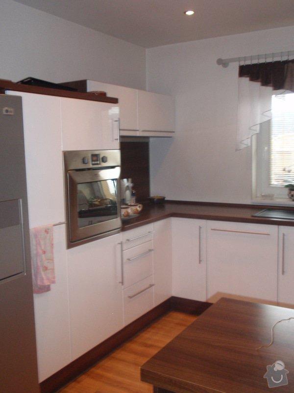 Interiéry na klíč v rodinném domu: P1130988