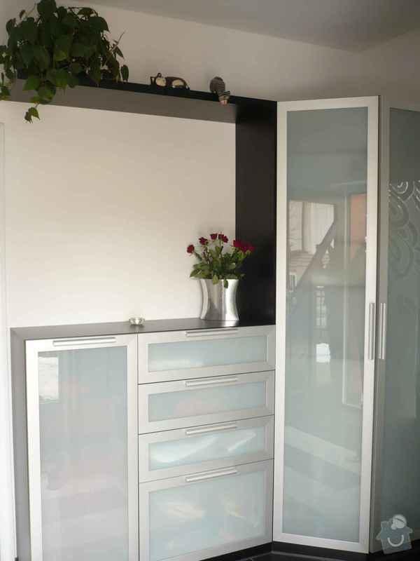 Předsíňová stěna,koupelnový nábytek: P1040165