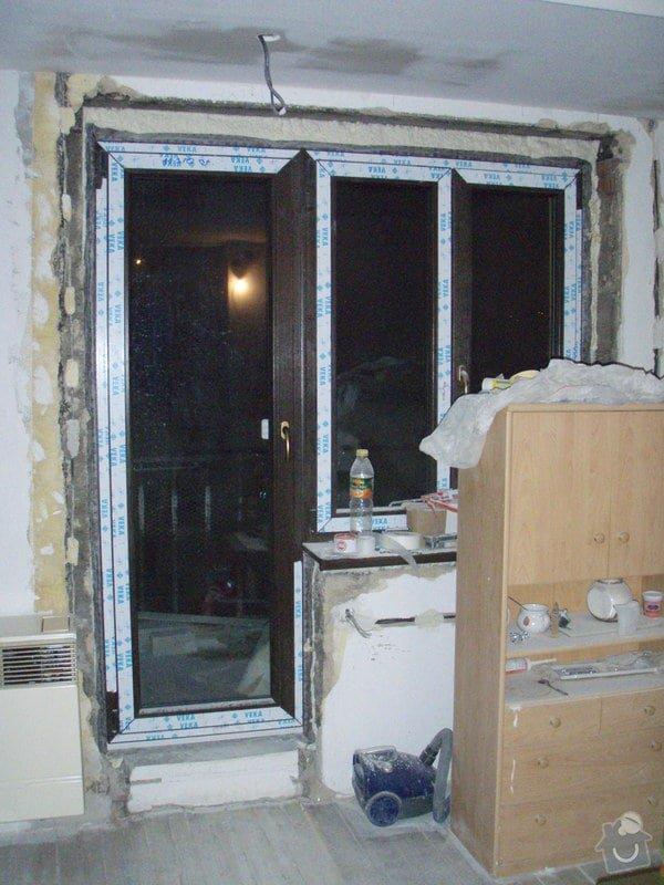 Začištění špalet kolem oken: P1111342