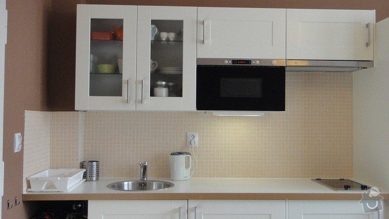 Malířské práce garsonka, obklad kuchyňské linky, kuchyňská skřínka: DSC02897