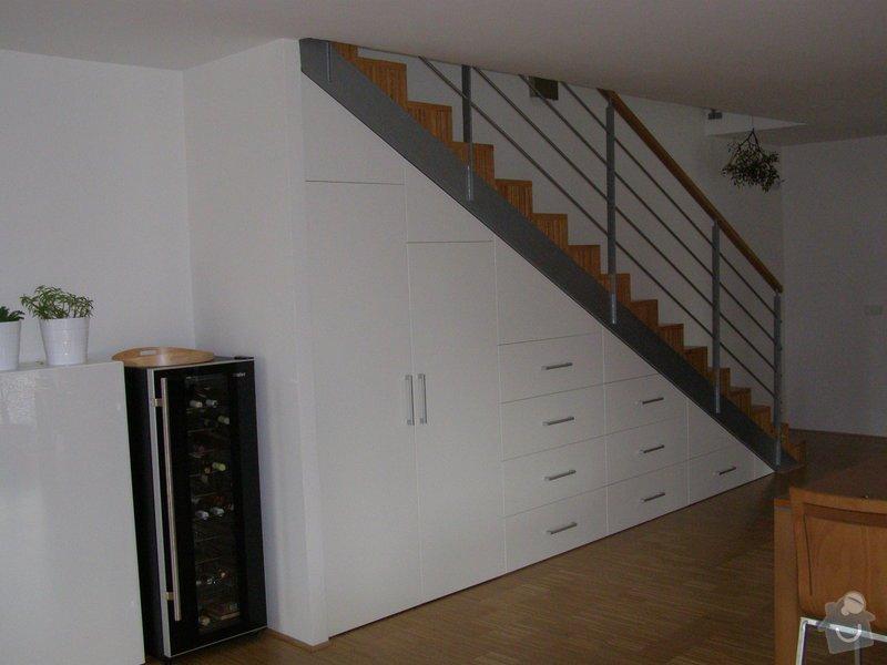 Kuchyňská linka,vestavné skříně: P1160600