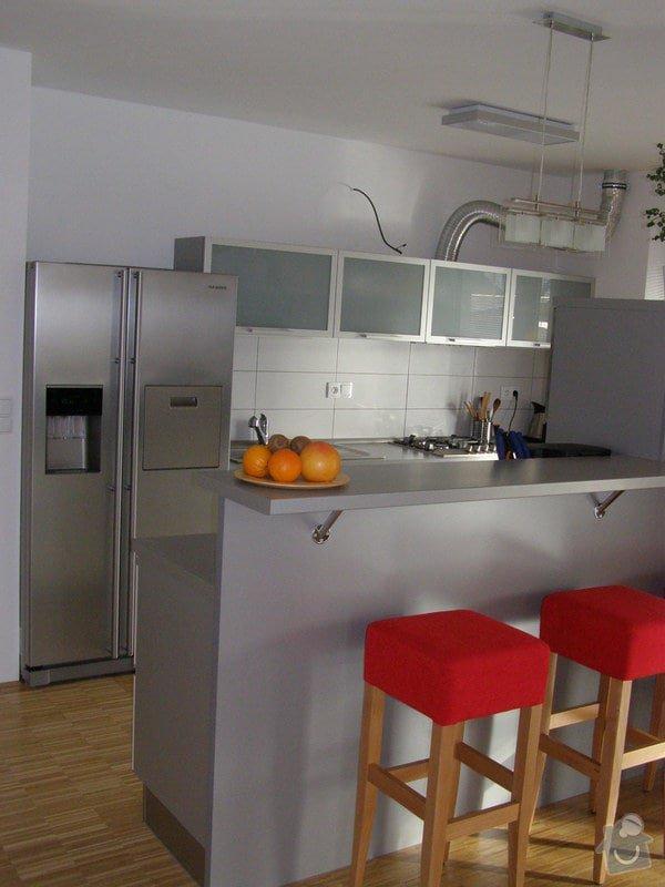 Kuchyňská linka,vestavné skříně: P1160604