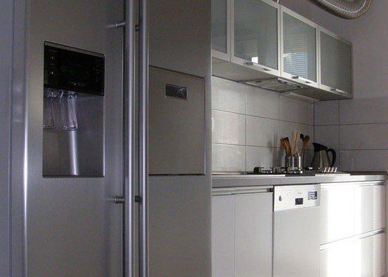 Kuchyňská linka,vestavné skříně
