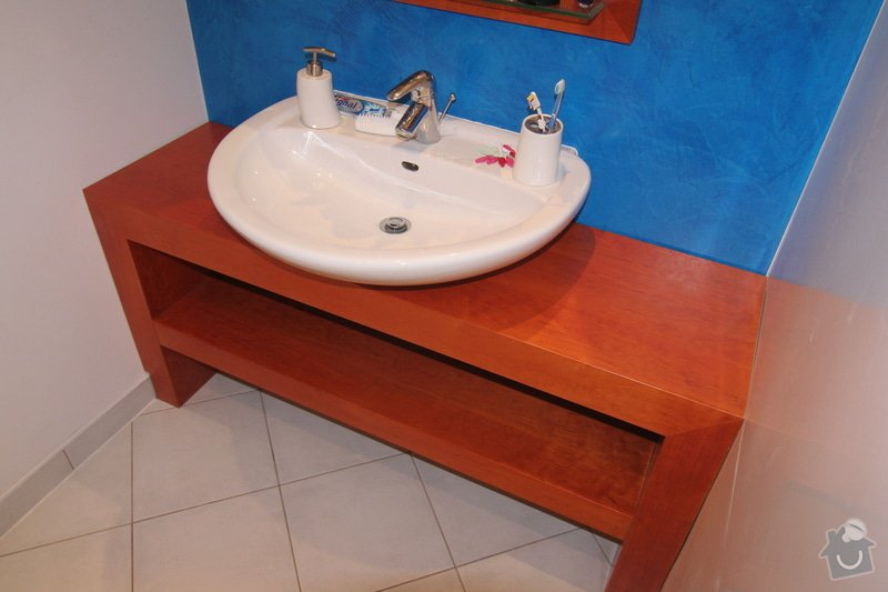 Koupelnový stolek na míru: umyvadlo-a-stolek