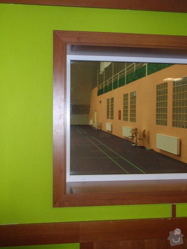Skleněná vitrína s leddiodovým osvětlením: P1261109