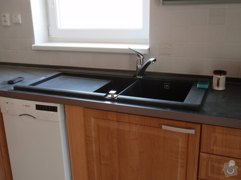 Výroba a montáž kuchyňské linky: truhlarna_akce_027