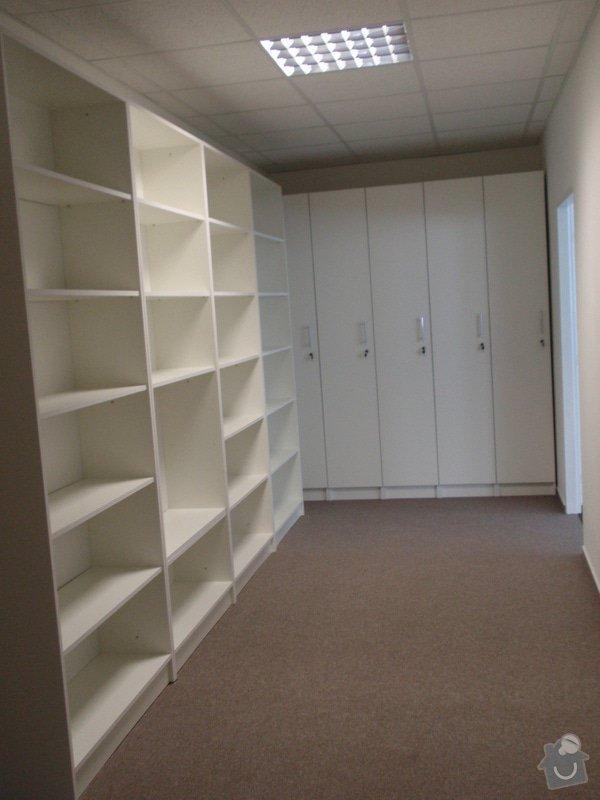 Výroba nábytku do kanceláře,pokládka koberců,výroba kuchyně,skříně na šanony,malování,štukování: truhlarna_akce_039