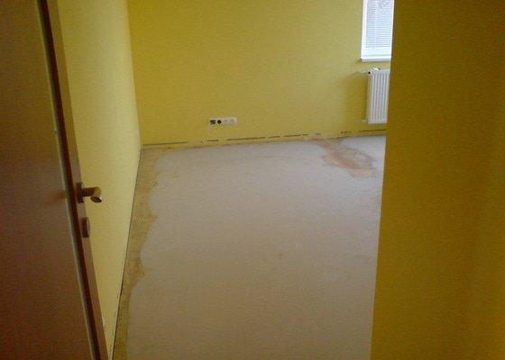 Vyrovnání podkladu a pokládka plovoucí podlahy