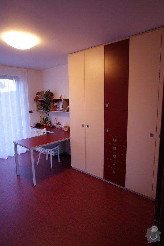 Nábytek do rodinného domu: DSC07174