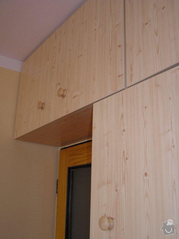 Výroba nábytkových stěn: P1010042