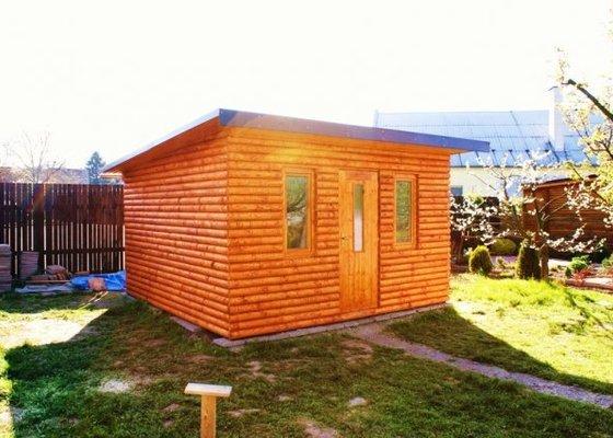 Stavba zahradní chaty