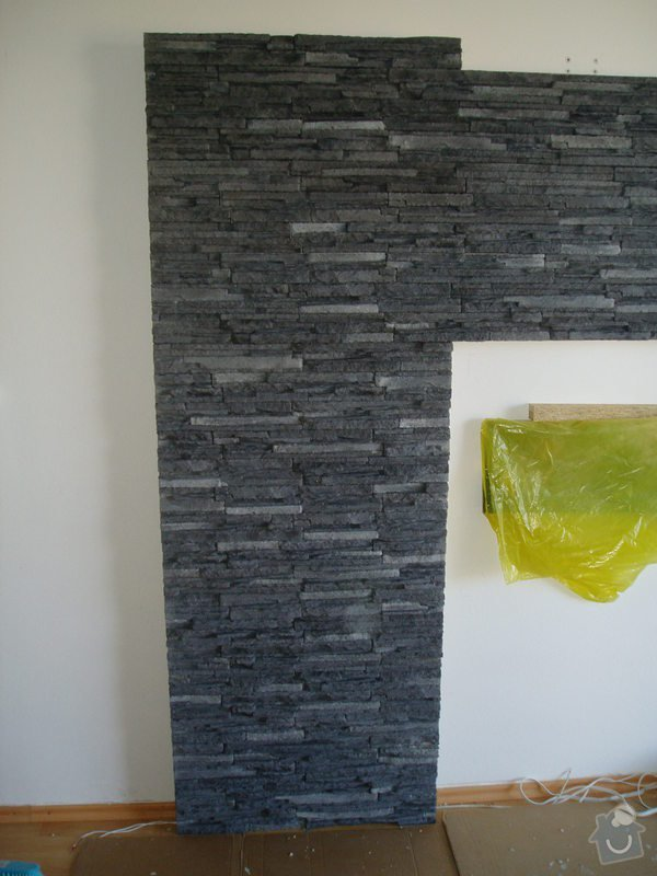 Obklad TV. stěny kamenným obkladem.: obkl.kamen._008