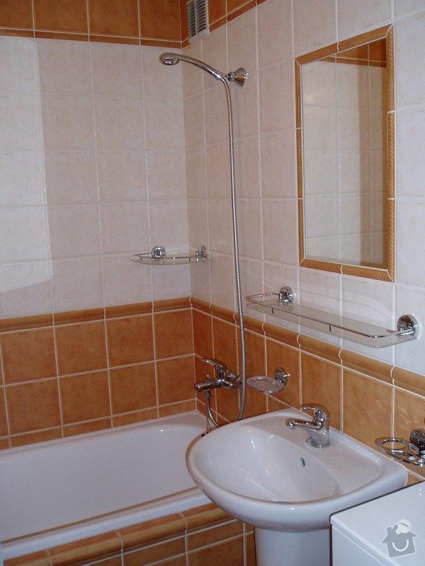 Koupelna panelákový byt.: P2270042