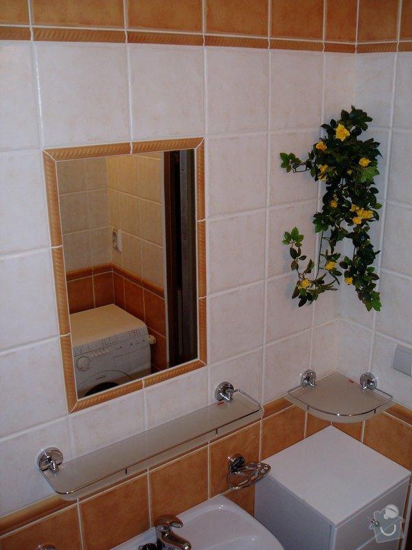 Koupelna panelákový byt.: P2270044