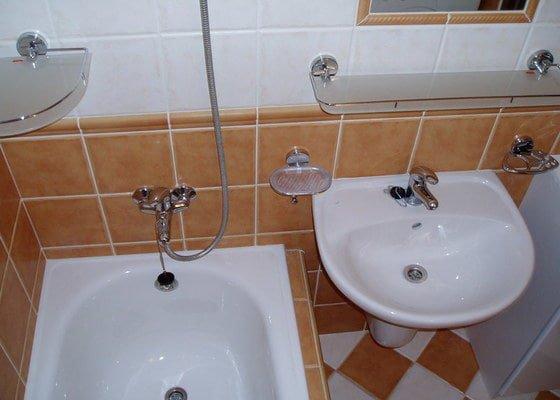 Koupelna panelákový byt.