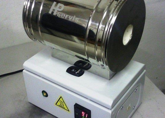 Laboratorní trubková pec