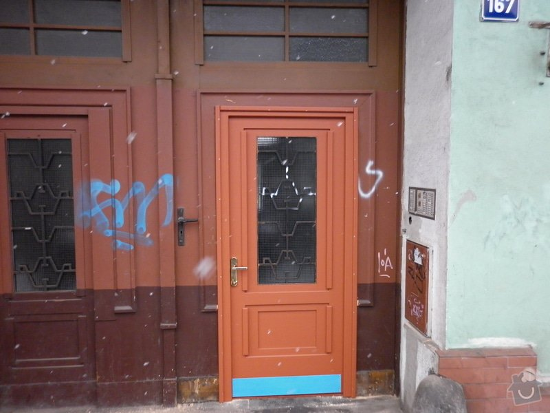 Vchodové dveře: P1000027