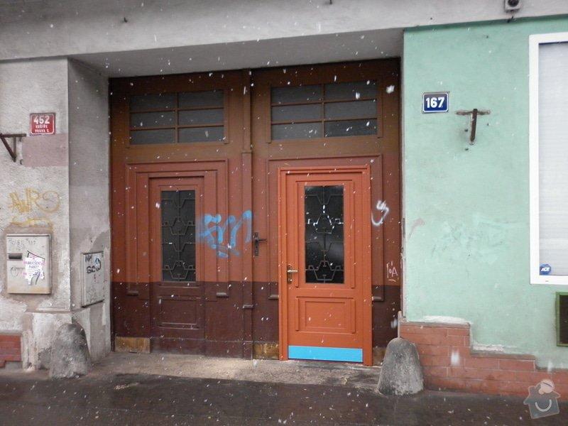 Vchodové dveře: P1000028