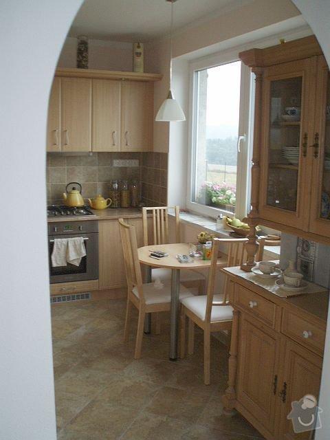 Kompletní interiér - podlahy, obklady, dlažby, instalatérské práce, krb: PA040121