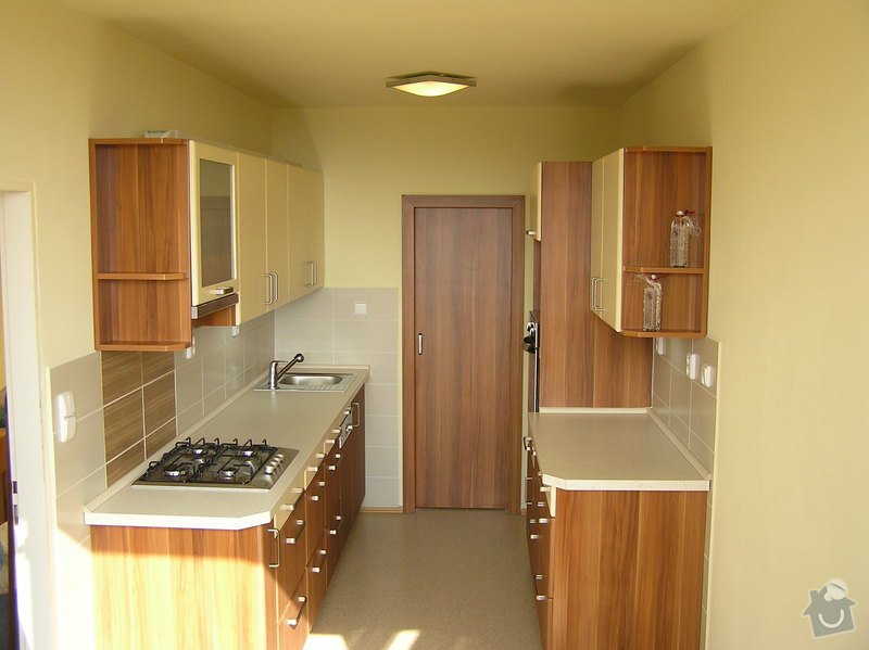 Kuchyně, dveře, malba: 1