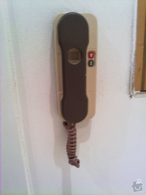 Přípojení domacího telefonu a zvonku: 22022011128