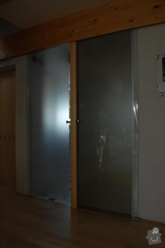 Rekonstrukce celé koupelny: posuvne_dvere_koupelna_toaleta