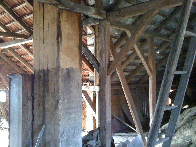 Pokrývače, tesaře, rekonstrukce komínu: puda2010-08